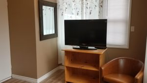 Mountainside Hideaway Cottage & Suites - Hillside Cottage